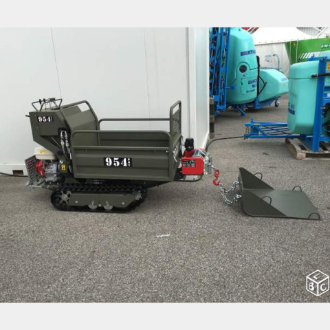 Tracked Minitransporter with Farm Body and Hydraulic Winch