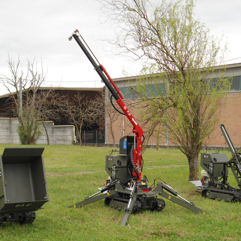 Tracked Minitransporter with M50 Swap Body Crane and 4 hydraulic outriggers