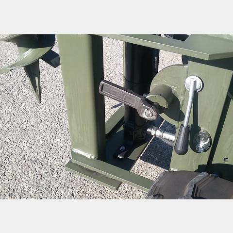 Minitransporteur à chenilles avec dumper Minerva, déchargement frontal et basculement hydraulique